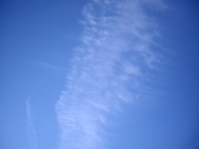ぼんやりした空と雲