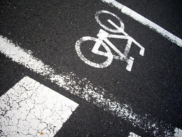 横断歩道の自転車マーク