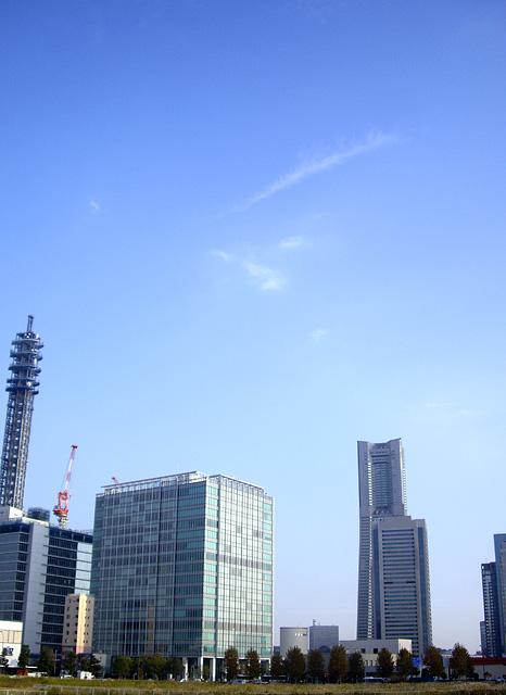 横浜駅東口方面