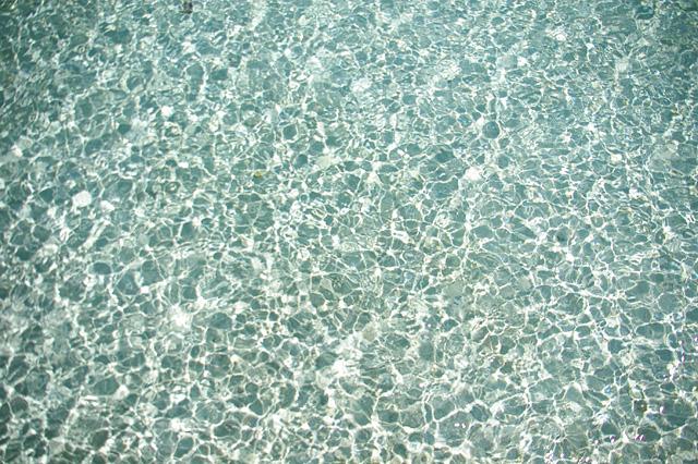 ゆらめく水のイメージ
