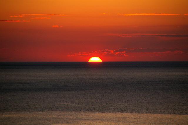 沈みゆく夕日その4の写真素材 フリー