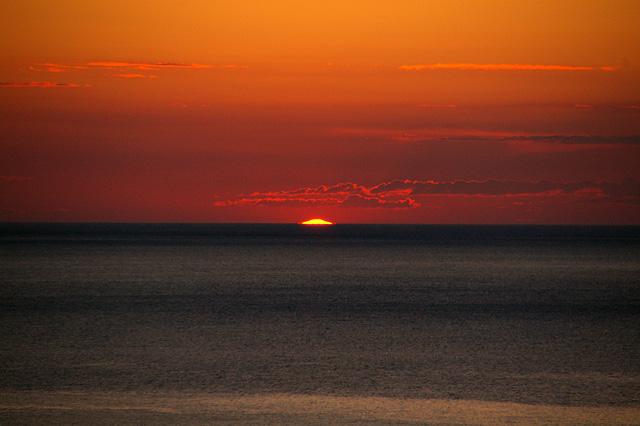 沈みゆく夕日その5の写真素材 フリー