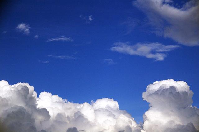 夏らしい雲