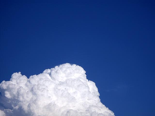 綿菓子みたいな雲
