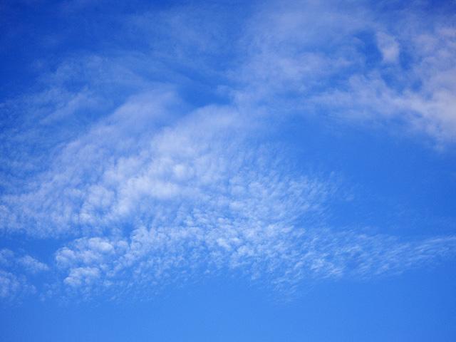 まだら模様の雲