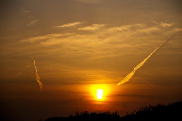 夕日の輝きの写真素材 フリー