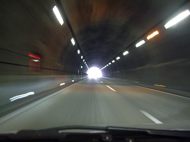トンネルの出口