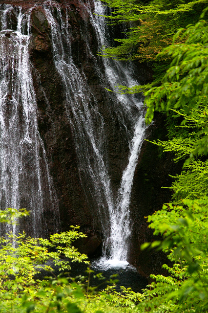 滝の水の流れの写真素材 フリー