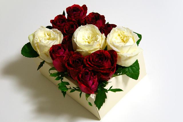 薔薇の箱詰めの写真素材 フリー
