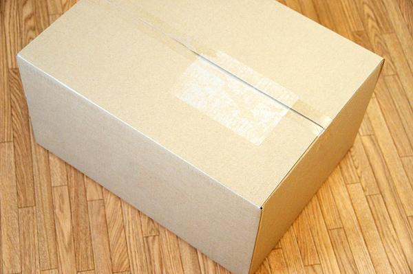 ダンボールの箱