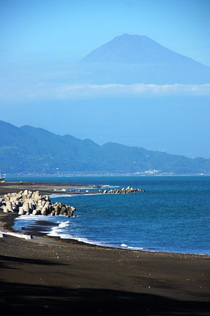 海岸線と富士山