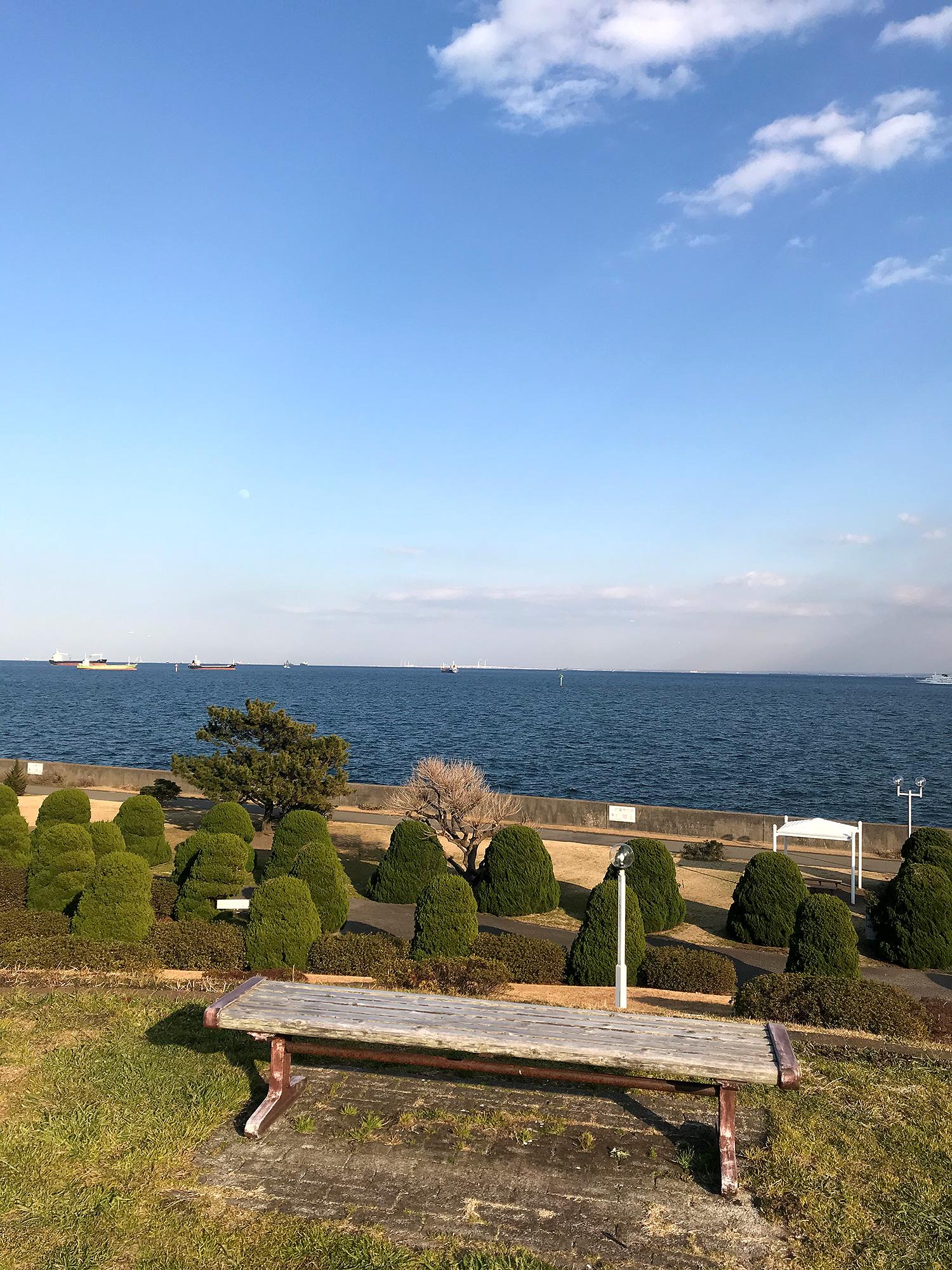 海が見えるベンチ