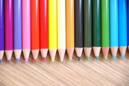 カラフルな色エンピツの写真素材フリー