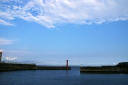 赤い灯台の写真素材(無料)