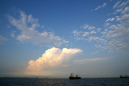 水平線と船の写真素材(無料)