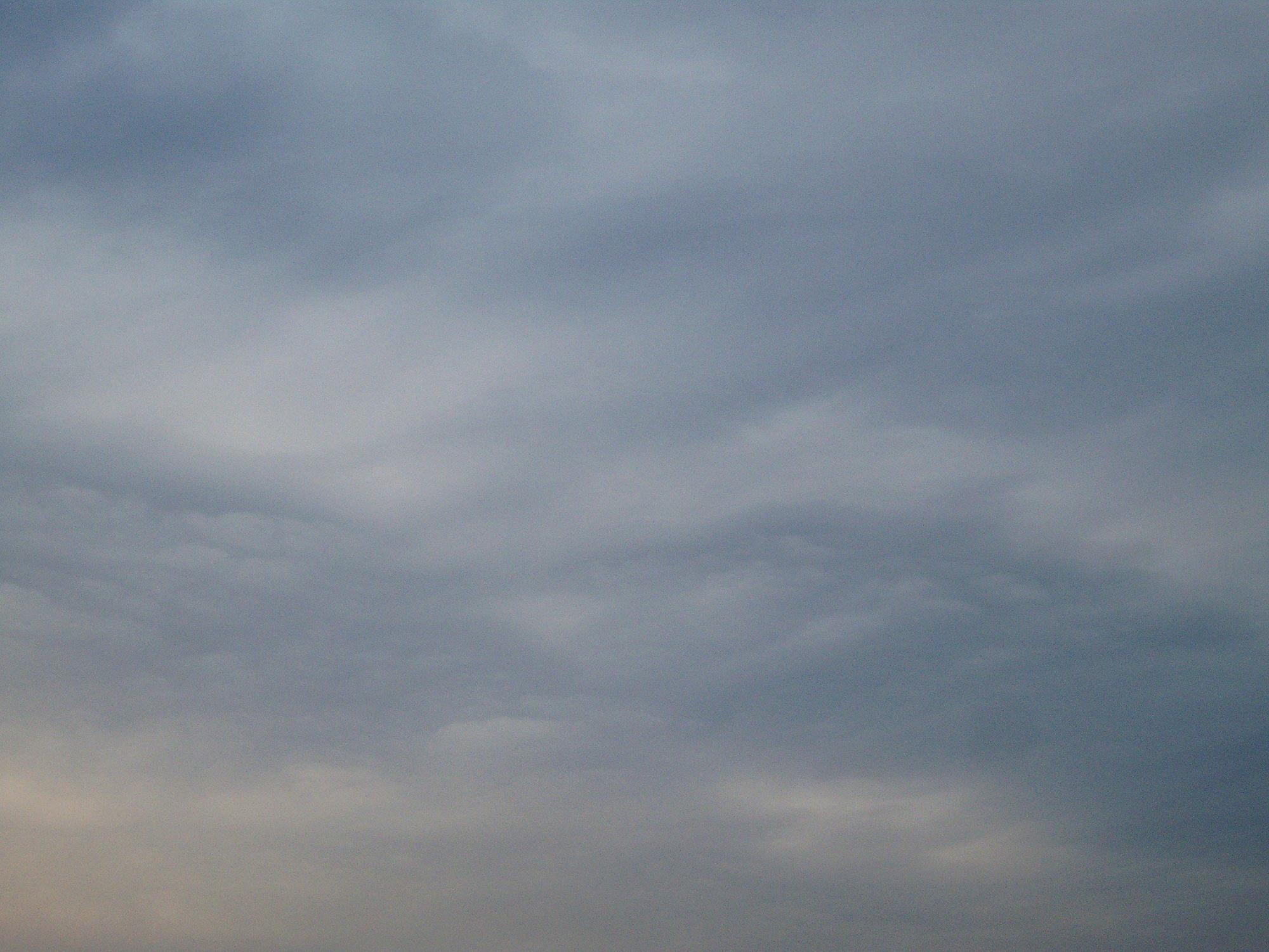 曇り空のフリー写真素材