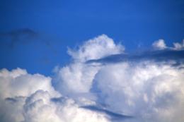 大きな雲の写真素材(無料)