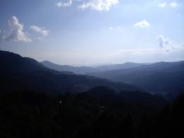 遠くの山々の写真のフリー素材