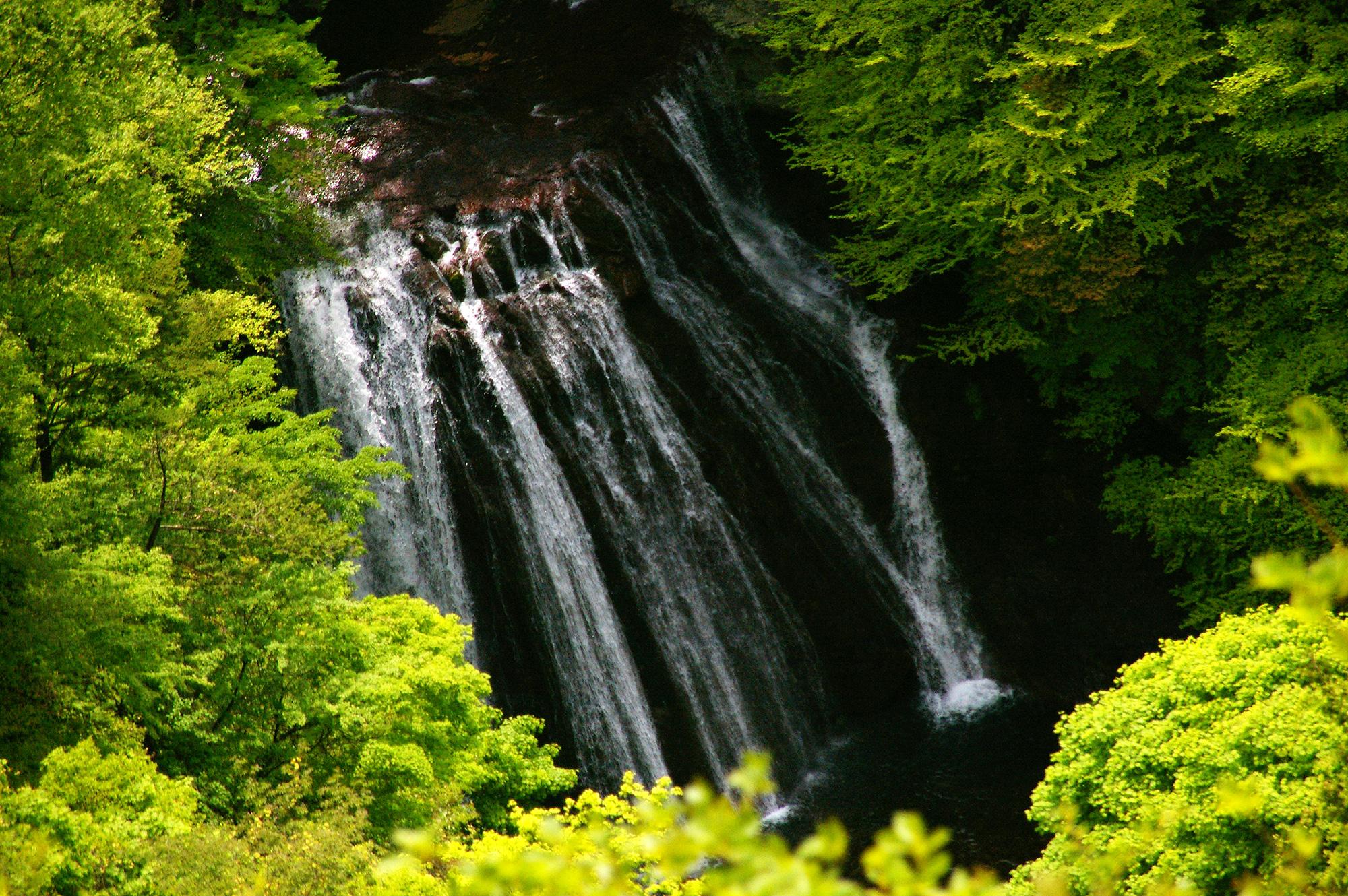 横谷峡の王滝のフリー写真素材