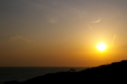 海に沈む夕日の無料写真素材