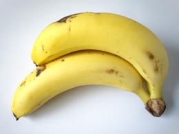 二本のバナナ