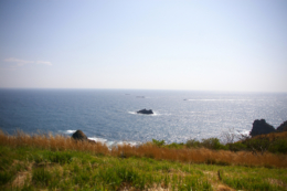 輝く海の水平線