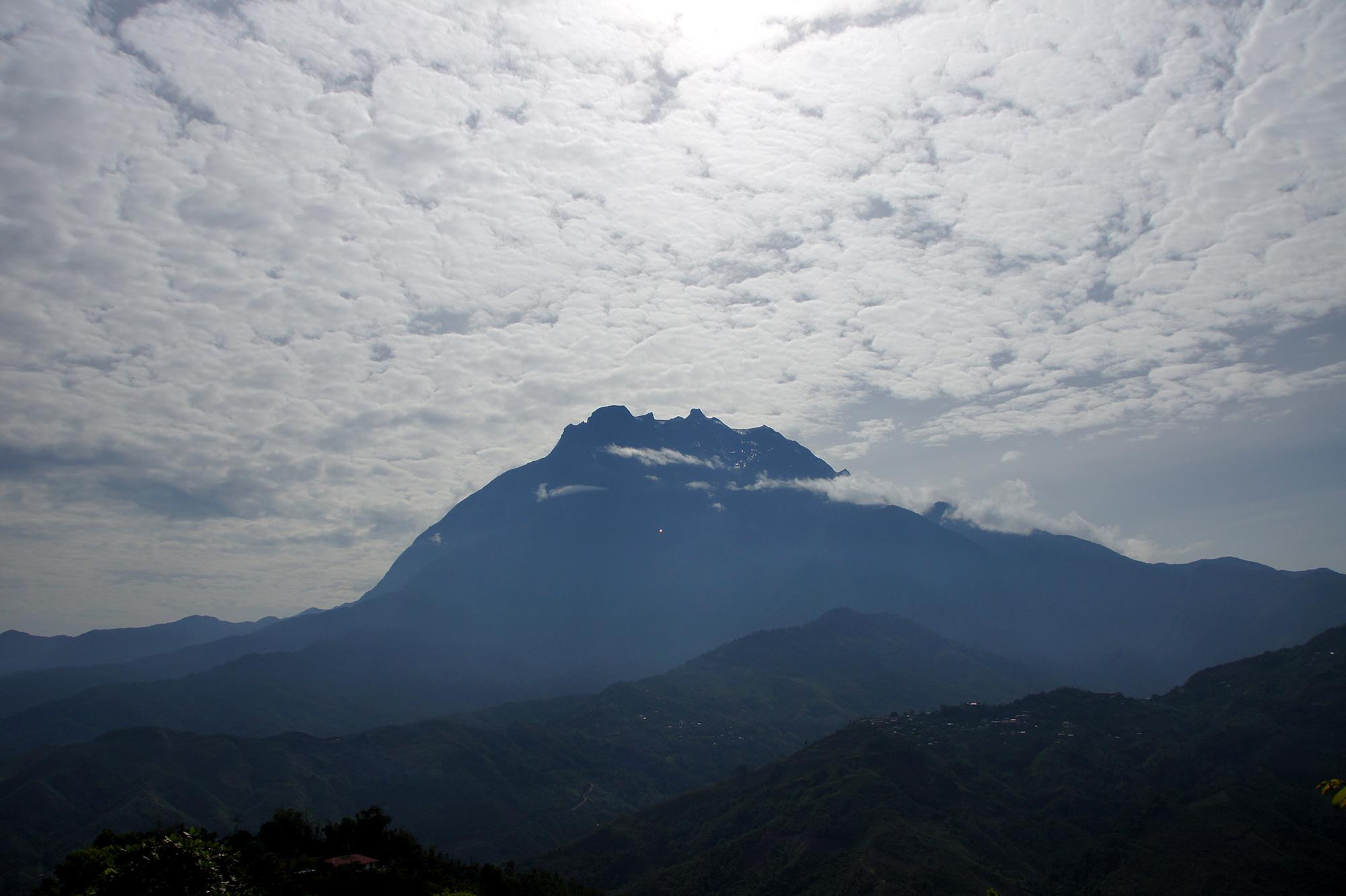キナバル山のフリー写真素材