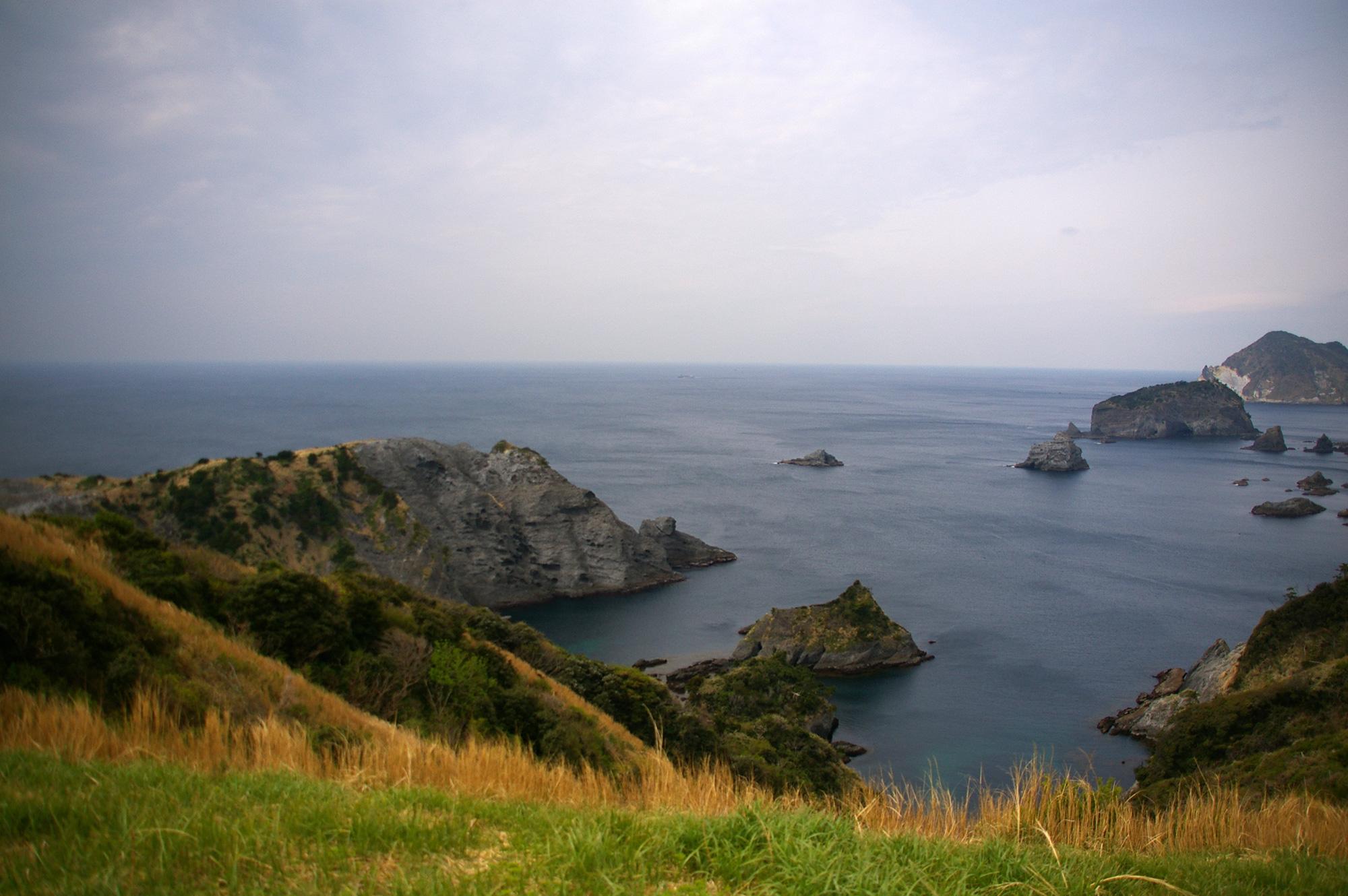 海に面した展望台からの景色の写真素材