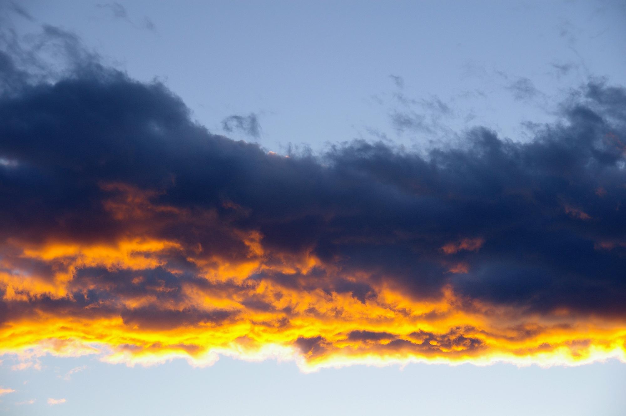 オレンジの雲のフリー写真素材
