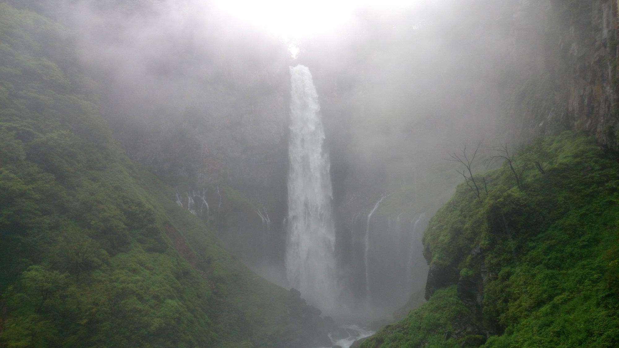 日光の華厳の滝