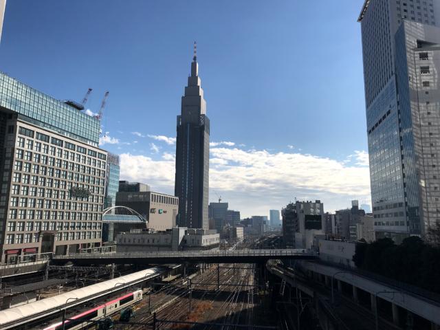 新宿南口方面