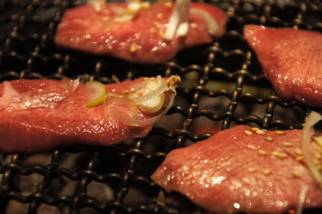 焼き肉の牛カルビのフリー写真素材